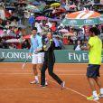 Novak Djokovic et Laurent Lokoli lors de la journées des Enfants de Roland-Garros, à Roland-Garros, le 24 mai 2014 à Paris