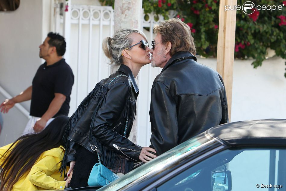 johnny hallyday laeticia rencontre