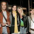 """Yannick Noah avec sa fille Yelena lors de la générale du spectacle """"Saltimbanco"""" du Cirque Soleil à Boulogne-Billancourt, le 7 avril 2005."""