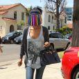 V. Stiviano, la petite amie de Donald Sterling dans les rues de Beverly Hills, le 1er mai 2014.