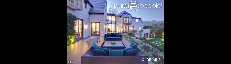 Simon Fuller a mis en vente sa maison de Beverly Hills pour 21,5 millions de dollars.