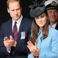 """Le prince William et Kate Middleton, duchesse de Cambridge, lors de la cérémonie sur la plage """"Gold Beach"""" à Arromanches pour les commémorations du 70e anniversaire du débarquement sur les plages de Normandie lors de la Seconde Guerre Mondiale, le 6 juin 2014."""