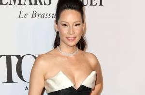 Tony Awards 2014 : Lucy Liu sexy face à Rosie O'Donnell, amincie et sacrée
