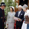 Le roi Carl XVI Gustaf et la reine Silvia de Suède à Ange pour la Fête nationale le 6 juin 2014