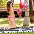 La très sexy Claudia Romani fête la Saint-Valentin à sa façon - février 2014.