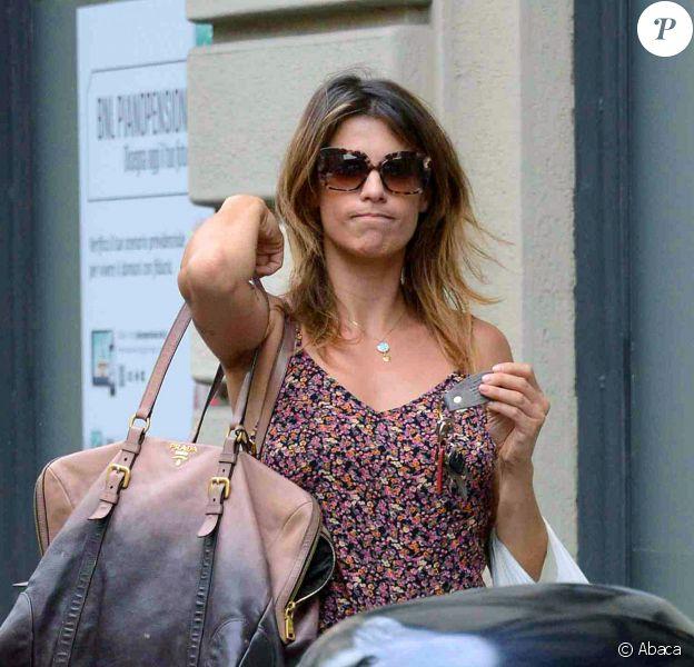 Elisabetta Canalis dans les rues de Milan, le 15 juin 2014, après avoir confié qu'elle avait fait une fausse couche.