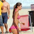 Karin Jimenez, sublime épouse du footballeur colombien Santiago Arias, se prélasse au soleil sur une plage de Rio de Janeiro. Le 16 juin 2014.