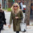Ashley Benson sort d'un déjeuner en compagnie d' une amie à Beverly Hills Los Angeles, le 04 avril 2014