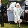 """La reine Elisabeth II au 2e jour de la course hippique """"Royal Ascot"""", le 18 juin 2014."""