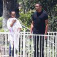 Exclusif - Kerry Washington, son mari Nnamdi Asomugha vont faire un barbecue avec des amis et leur fill Isabelle. A Los Angeles, le 22 juin 2014.