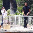 Exclusif - Kerry Washington, son mari Nnamdi Asomugha et leur fille Isabelle passent leur journée chez des amis pour un barbecue. Los Angeles, le 22 juin 2014.