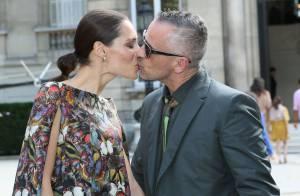 Fashion Week : Eros Ramazzotti, marié fou amoureux au défilé Valentino