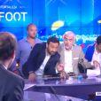 Cyril Hanouna, Jamel Debbouze et Michaël Youn s'incrustent sur le plateau d'i-Télé avec Pascal Praud le mercredi 25 juin (dans le cadre de Touche pas à mon poste).