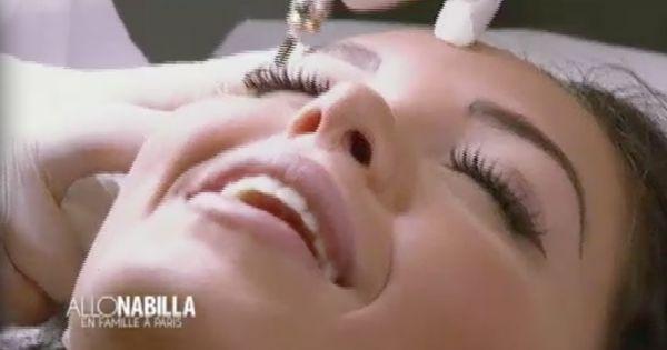 nabilal se fait faire un tatouage semi permanent des sourcils all nabilla saison 2 sur nrj12. Black Bedroom Furniture Sets. Home Design Ideas