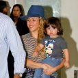 Shakira et son fils Milan Piqué arrivent à Rio de Janeiro, le 9 juilet 2014.