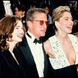 Jeanne Tripplehorn, Michael Douglas et Sharon Stone au Festival de Cannes 1992 pour Basic Instinct.