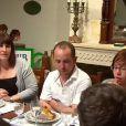 """Marisa et Pauline sont en désaccord avec la mère de Bertrand et le disent - """"L'amour est dans le pré 2014"""". Episode du 14 juillet 2014."""