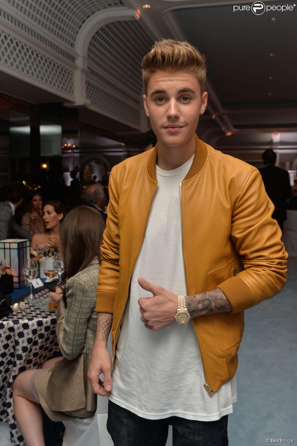 Justin Bieber lors de la soirée Vanity Fair Armani à l'Eden Roc au cap d'Antibes le 17 mai 2014