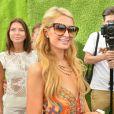 L'héritière Paris Hilton aux platines sur la plage à Saint-Tropez, le 10 août 2014.