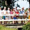 La famille royale de Danemark posant à Grasten le 24 juillet 2014