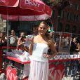 Chrissy Teigen fête le lancement du nouveau parfum MYNY de DKNY à New York, le 19 août 2014.
