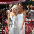 Rita Ora et Chrissy Teigen célèbrent le lancement du parfum MYNY de DKNY sur Madison Square. New York, le 19 août 2014.