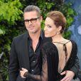 Brad Pitt et Angelina Jolie lors de la première de Maleficent à Londres le 8 mai 2014. Le mariage du couple a eu lieu en France le 23 août 2014.
