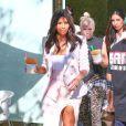 Kim Kardashian quitte la boutique Menchie's à Calabasas. Le 28 août 2014.