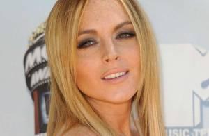 VIDEO + PHOTO : Lindsay Lohan enceinte ? Enfin, elle essaye, comme d'être actrice...