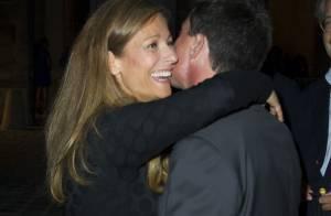 Manuel Valls : Spectateur fier de sa femme Anne Gravoin pour la première de PPDA
