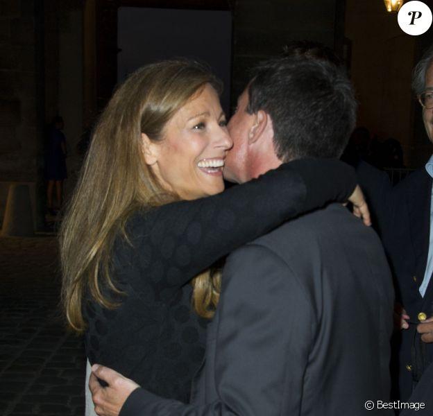 """Manuel Valls et sa femme Anne Gravoin - Première représentation aux Invalides de l'opéra """"Don Giovanni"""" mis en scène par Patrick Poivre D'Arvor et Manon Savary à Paris, le 9 septembre 2014."""