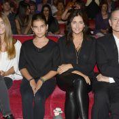 Francis Huster se dévoile en famille auprès de Cristiana Reali et leurs filles