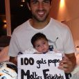 Cesc Fabregas avec sa petite Lia à Barcelone.