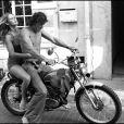 Brigitte Bardot à moto (photo d'archive non datée)