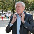 """Luis Fernandez lors du 2e tournoi de pétanque au profit de l'association """"MeghanOra"""" sur l'Esplanade des Invalides à Paris, le 28 septembre 2014"""