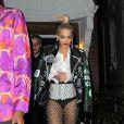 """Rita Ora se rend à la boîte de nuit """"Cirque le Soir"""" avec Pixie Geldof et des amis à Londres, le 8 octobre 2014."""