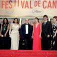 Aurélie Filippetti avec l'équipe du film Jimmy P., Mathieu Amalric, Danny Mooney, Michelle Thrush, Misty Upham, Arnaud Desplechin, Benicio Del Toro, et Gina McKee lors du 66e Festival du film de Cannes le 18 mai 2013
