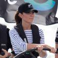Kate Middleton, navigatrice chevronnée, a démontré ses talents de skipper le 11 avril 2014 à Auckland, en Nouvelle-Zélande, lors d'une course l'opposant à son mari le prince William.