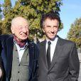 """Edgar Morin et Jack Lang - Inauguration de l'exposition """"Le Maroc contemporain"""" à l'Institut du monde arabe à Paris, le 14 octobre 2014."""