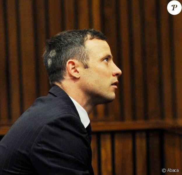 Oscar Pistorius à la North Gauteng High Court de Pretoria le 13 octobre 2014, lors des auditions précédant le verdict de son procès pour la mort de Reeva Steenkamp