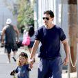 Jon Bernthal et son fils à Venice, Los Angeles, le 18 juillet 2014
