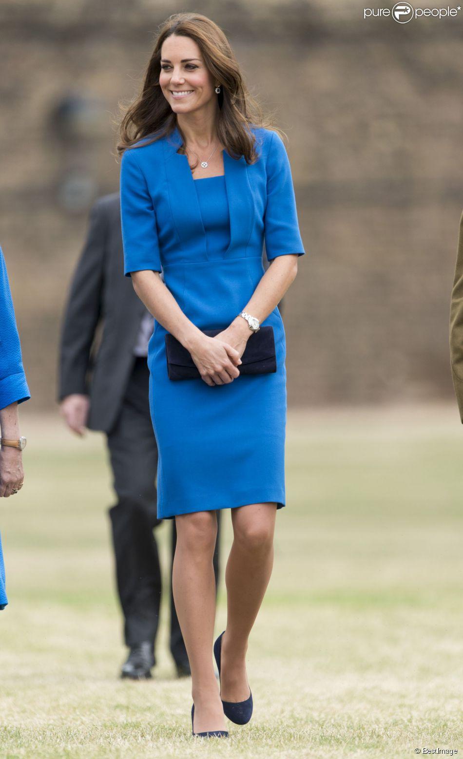 Kate Middleton lors de sa dernière mission officielle avant l'annonce de sa grossesse, le 5 août 2014 à la Tour de Londres.