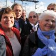 Michel Drucker est accueilli par sa nounou Bernadette à son arrivée - Michel Drucker célèbre ses 50 ans de télévision entouré de ses amis à l'occasion du passage du 'Train De La Télé' en gare de Caen, sa région natale, le 21 octobre 2014.