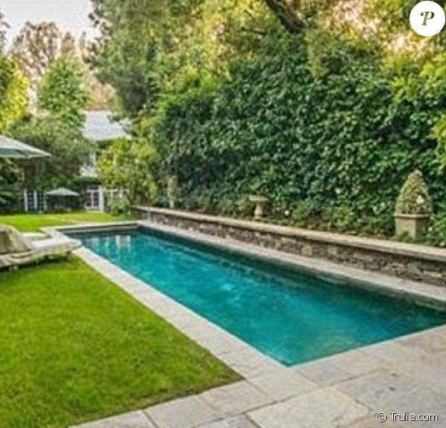 Image de la nouvelle maison que Jennifer Lawrence vient d'acquérir à Los Angeles pour la somme de 7 millions de dollars : une piscine magnifique