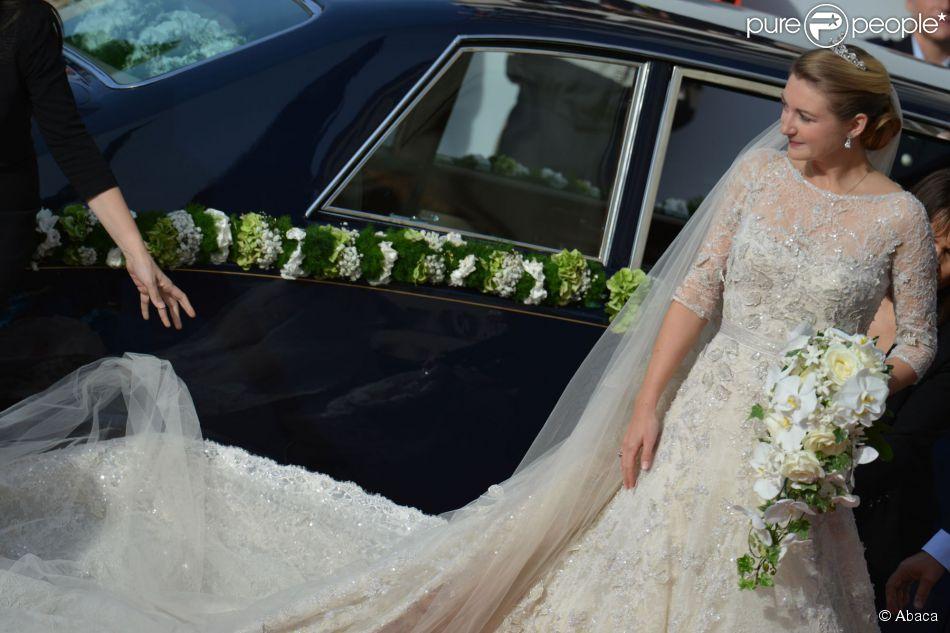 Stéphanie de Luxembourg en robe de mariée signée Elie Saab