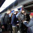 Thomas Vergara, sa mère Sylvia et des amis prennent un TGV à la gare de Lyon à Paris, France le 12 Novembre 2014.
