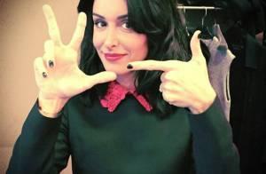 Jenifer fête ses 32 ans : Sexy en robe Valentino dans ''The Voice 4'' !