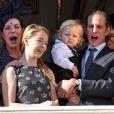 Sacha Casiraghi (1 an et demi), entouré de la princesse Caroline, la princesse Alexandra et la princesse Stéphanie, est apparu dans les bras de son papa Andrea Casiraghi, au balcon du palais princier à Monaco le 19 novembre 2014 pour la Fête nationale.