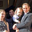 Sacha Casiraghi (1 an et demi) est apparu dans les bras de son papa Andrea Casiraghi et sous le regard de sa maman Tatiana Santo Domingo, au balcon du palais princier à Monaco le 19 novembre 2014 pour la Fête nationale.