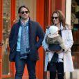 Tamara Ecclestone, sa petite Sophia et son mari Jay Rutland dans les rues de New York, le 21 novembre 2014